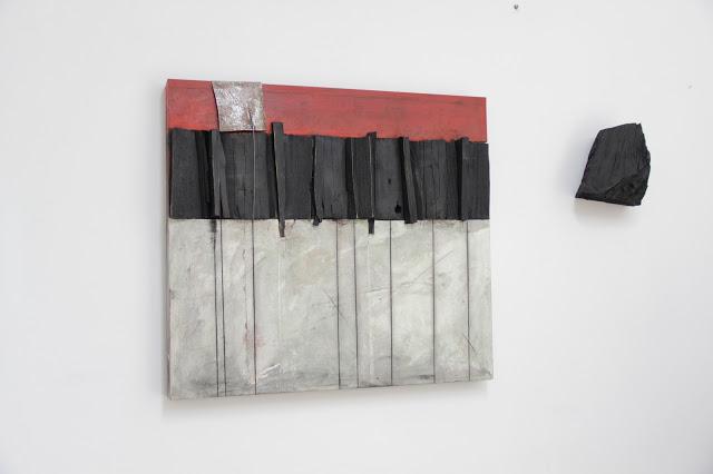 Neraisola, 2016, tecnica mista e ferro su tavola, cm 140 x 80 x 15