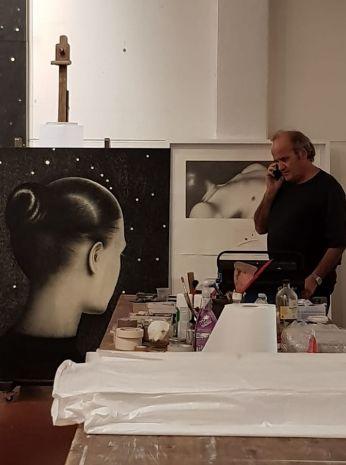 Nello studio di Omar Galliani a Reggio Emilia